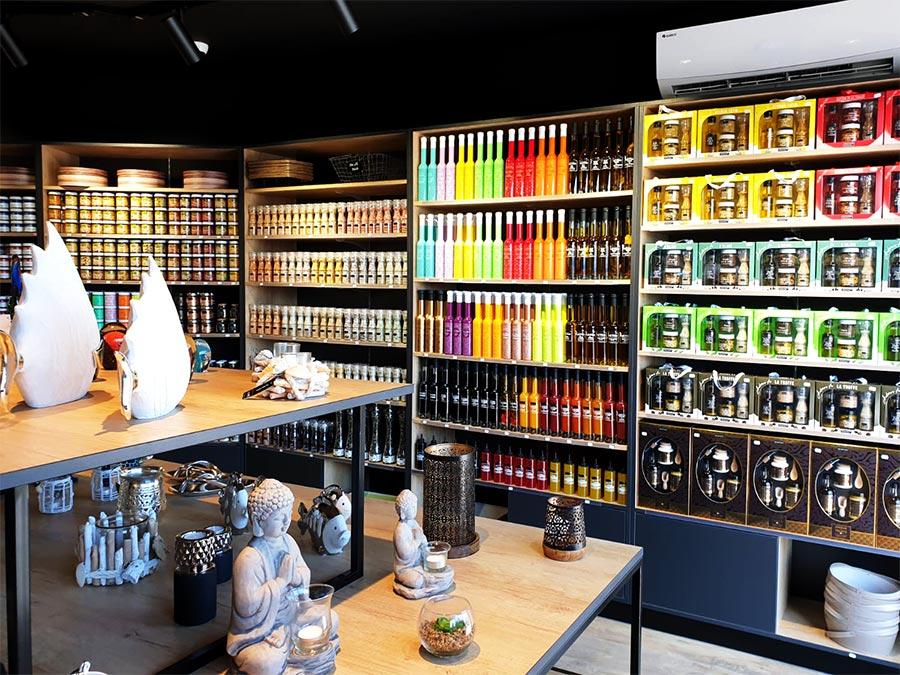 Intérieur épicerie fine traiteur Gekko gourmet la valette du var, PACA, Provence